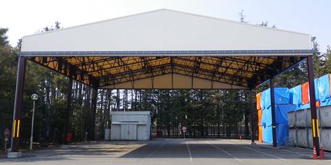 上屋テントタイプ 固定式で側面開放型