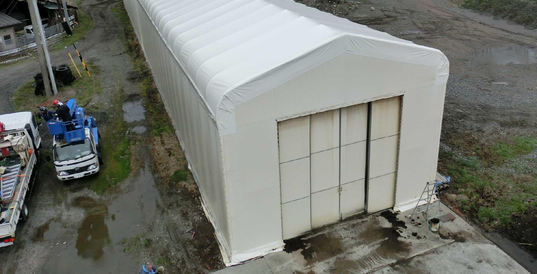テント倉庫屋根キャップシートの張替え画像2